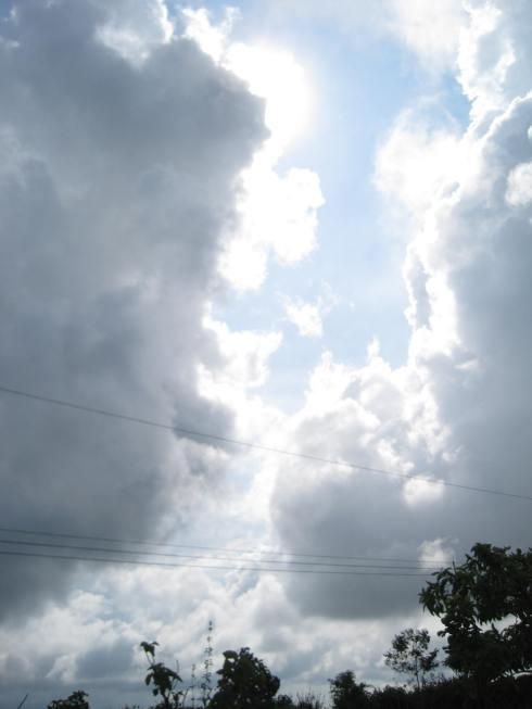 Lago Arenal nubes
